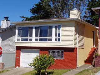24 Longview Dr, Daly City, CA 94015