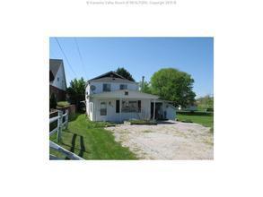 2303 Us Rt 60 House, Hurricane WV