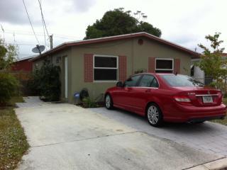 Palm Beach Lakes Blvd, West Palm Beach, FL 33401