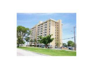 2000 NE 135th St #411, North Miami, FL 33181