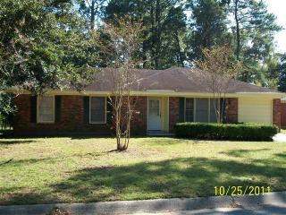 14 Sheridan Dr, Savannah, GA 31406