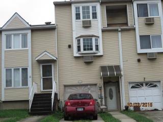 21 Northport Ln, Staten Island, NY 10314