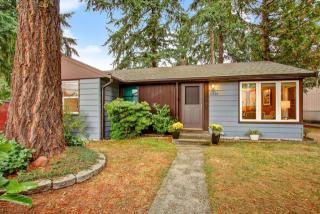 11528 28th Ave NE, Seattle, WA 98125