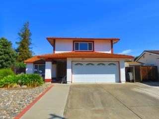 38620 Adcock Pl, Fremont, CA 94536