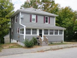 31 Maple St, Somersworth, NH 03878