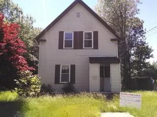 63 Middle Ave, Mexico, ME 04257