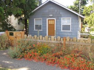 7763 10th Ave SW, Seattle, WA 98106