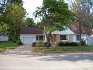 205 N Prairie St, Raymond, IL 62560