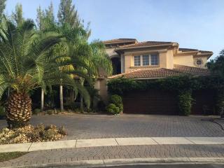 508 Edgebrook Ln, West Palm Beach, FL 33411