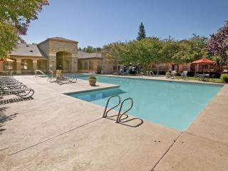 12155 Tributary Point Dr, Gold River, CA 95670