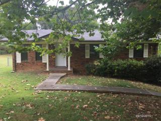 2631 Randall Rd, Strawberry Plains, TN 37871