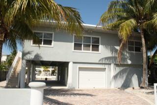 980 Bay Dr, Summerland Key, FL 33042