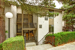 10512 NE 32nd Pl #F-204, Bellevue, WA 98004