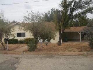 1105 E Luce St, Llano, TX 78643