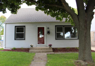 4626 W 4626 W Sumac Pl, Milwaukee, WI 53219