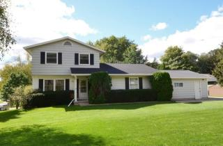 2210 Elmwood Lane, Cross Plains WI