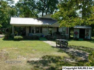 1102 McCurdy Ave N, Rainsville, AL 35986
