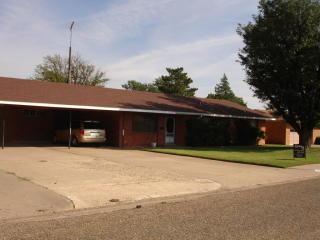 114 Elm St, Hereford, TX 79045