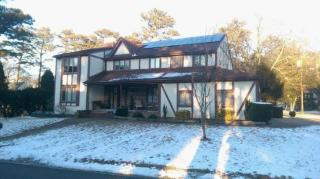 102 Woods Rd, Absecon, NJ 08201