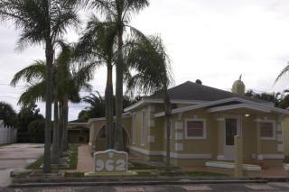962 W Lakewood Rd, West Palm Beach, FL 33405