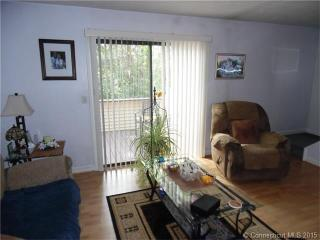 7 Queen Ter #G, Southington, CT 06489