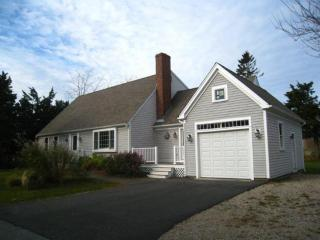 25 Harbor View Rd, Barnstable, MA 02630