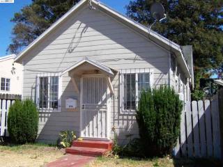 2714 Viola St, Oakland, CA 94619