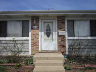 1416 Bear Flag Dr #551, Hanover Park, IL 60133