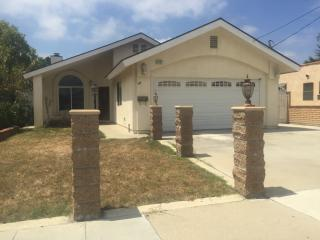 1337 McDonald Ave, Wilmington, CA 90744