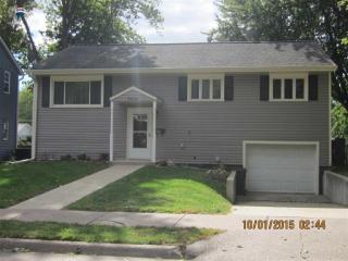 3414 College Ave, Davenport, IA 52807