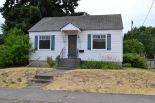 622 W 8th St, The Dalles, OR 97058