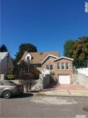 1327 Commodore Rd, Uniondale, NY 11553