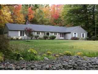 31 Rocky Point Dr, Bow, NH 03304