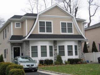 47 Yennicock Ave #B, Port Washington, NY 11050