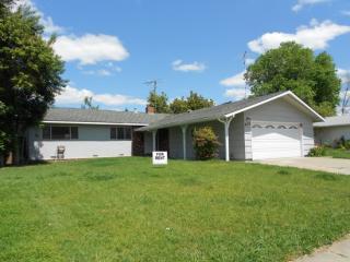 9013 Rosewood Dr, Sacramento, CA 95826