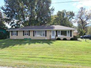 209 Croyden St, Spring Grove, IL 60081