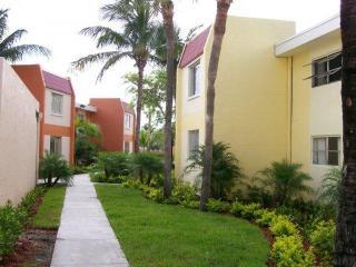 9000 SW 97th Ave, Miami, FL 33176