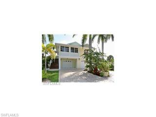 899 North St, Fort Myers Beach, FL 33931