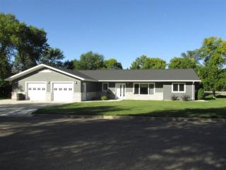 119 3rd Ave NW, Rugby, ND 58368