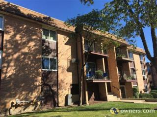 1180 Meadow Ln, Hoffman Estates, IL 60169
