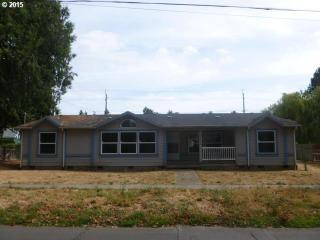 412 S River St, Newberg, OR 97132