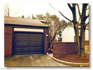 515 Forsythia Ln90, Richmond Heights OH