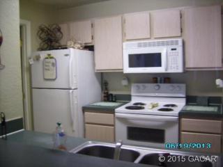 3705 SW 27th St #215, Gainesville, FL 32608