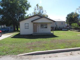 230 W Williams St, Chandler, IN 47610