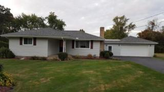 415 Summit View Dr, New Castle, PA 16105