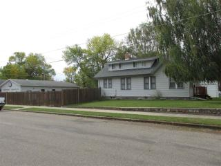320 3rd St SE, Rugby, ND 58368