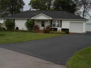 145 Virgie Ct, Bowling Green, KY 42104