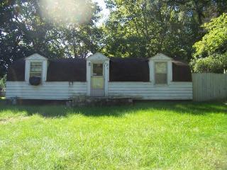 615 W Hill Rd, Morris, IL 60450