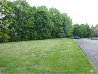 Stone Quarry Rd, Chester Township, PA 15061