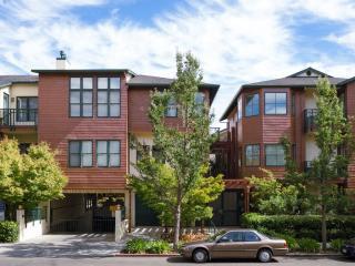435 Sheridan Ave #105, Palo Alto, CA 94306